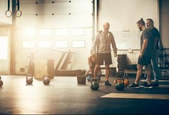 Fitnessstudio für Anfängerinnen Routine plötzlichen Gewichtsverlust